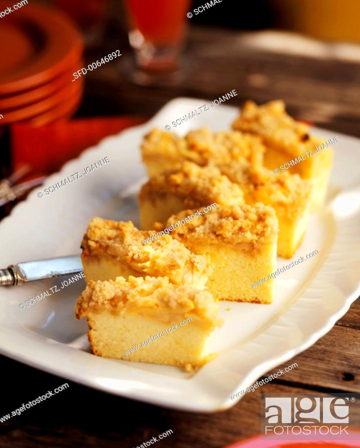 Photo de stock: Slices of Coffee Cake on a White Platter.