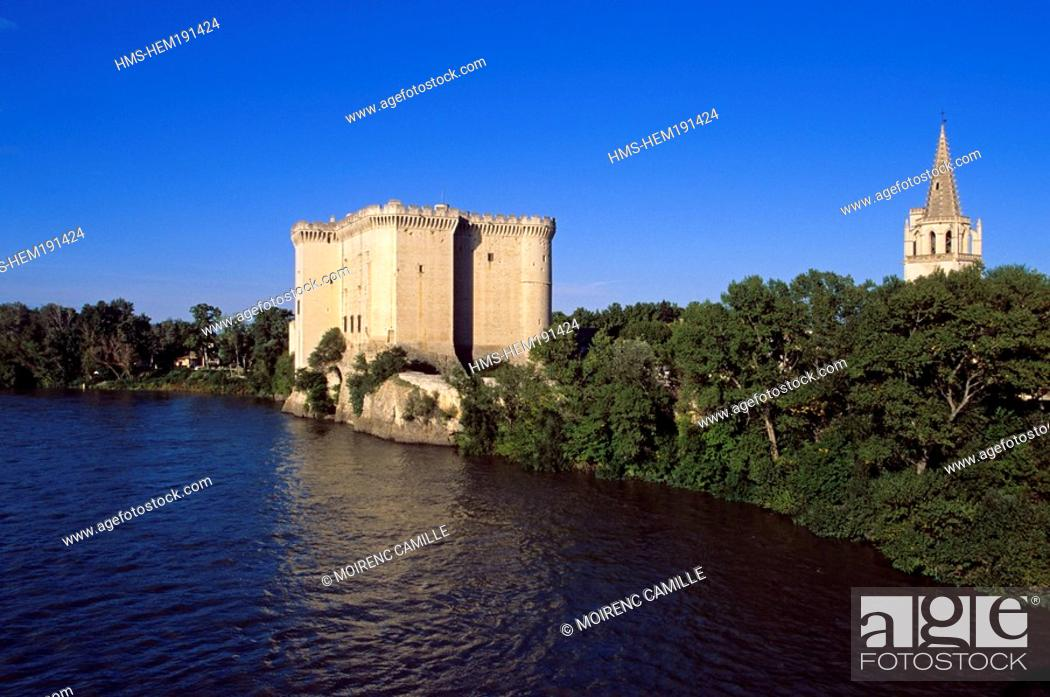 Stock Photo: France, Bouches du Rhone, Tarascon, King Rene's Castle of the 14th/15th century on the Rhone River banks.