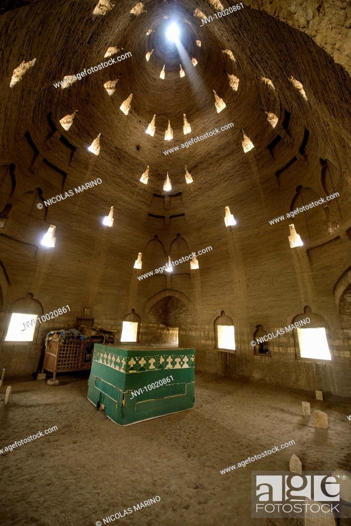Stock Photo: Koica mausoleum interior, Sahara desert, Sudan.