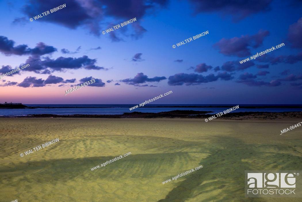 Stock Photo: Spain, Canary Islands, Lanzarote, Arecife, Playa del Reducto beach, dawn.