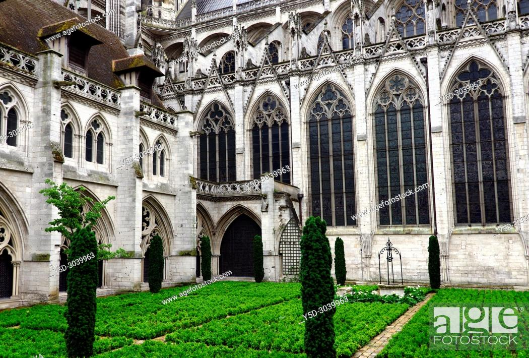 Stock Photo: Albane gardens, Cathédrale Notre-Dame, Notre Dame Cathedral, old town, Rouen, Seine-Maritime department, Upper Normandy, Normandy, France, Europe.