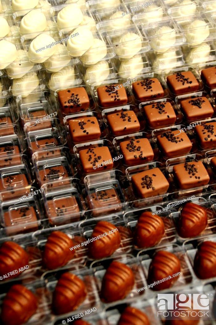 Stock Photo: Dark, milk and white chocolates. Xocolating'08, Barcelona, Catalonia, Spain.