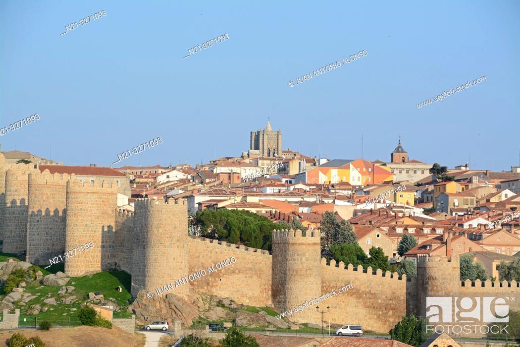 Imagen: The fortified city of Avila, Castilla-Leon, Spain, Europe.