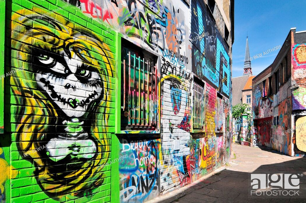 Imagen: Graffiti street in Ghent Belgium.