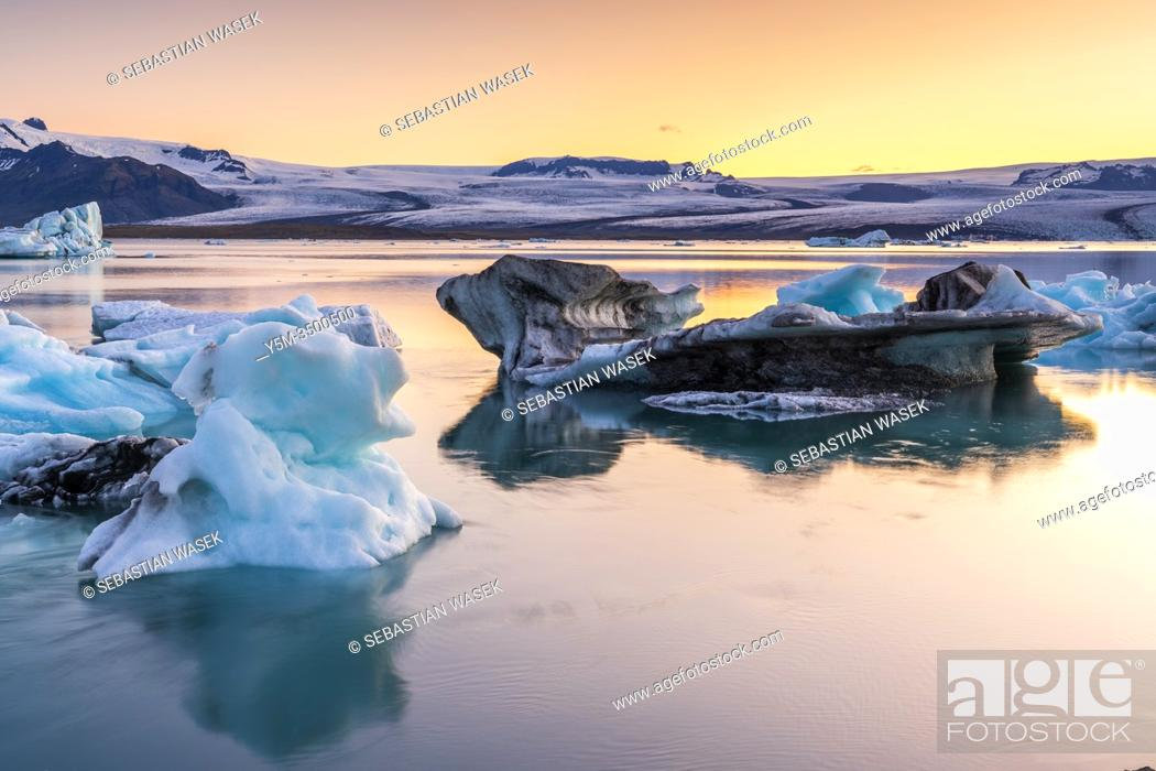 Stock Photo: Jökulsárlón glacial lagoon, Eastern Region, Iceland.