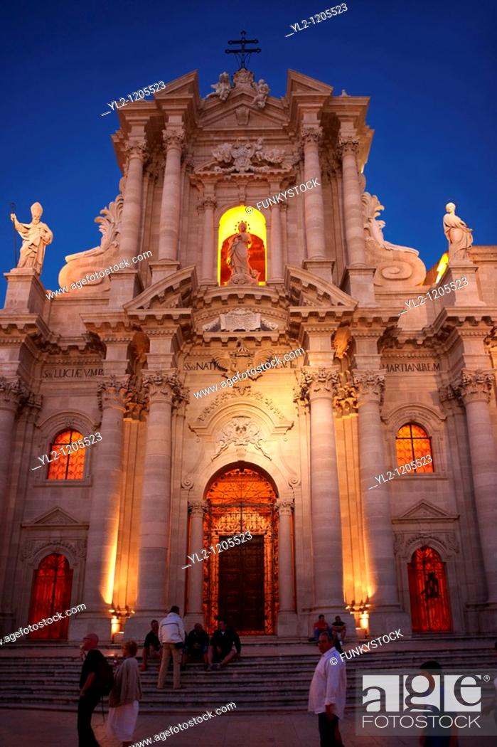 Stock Photo: The Baroque Duomo cathedral , Syracuse  Siracusa , Sicily.