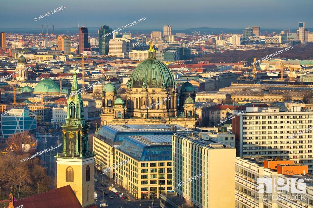 Imagen: Berliner Dom, Marienkirche church, Alexander platz, Berlin, Germany.