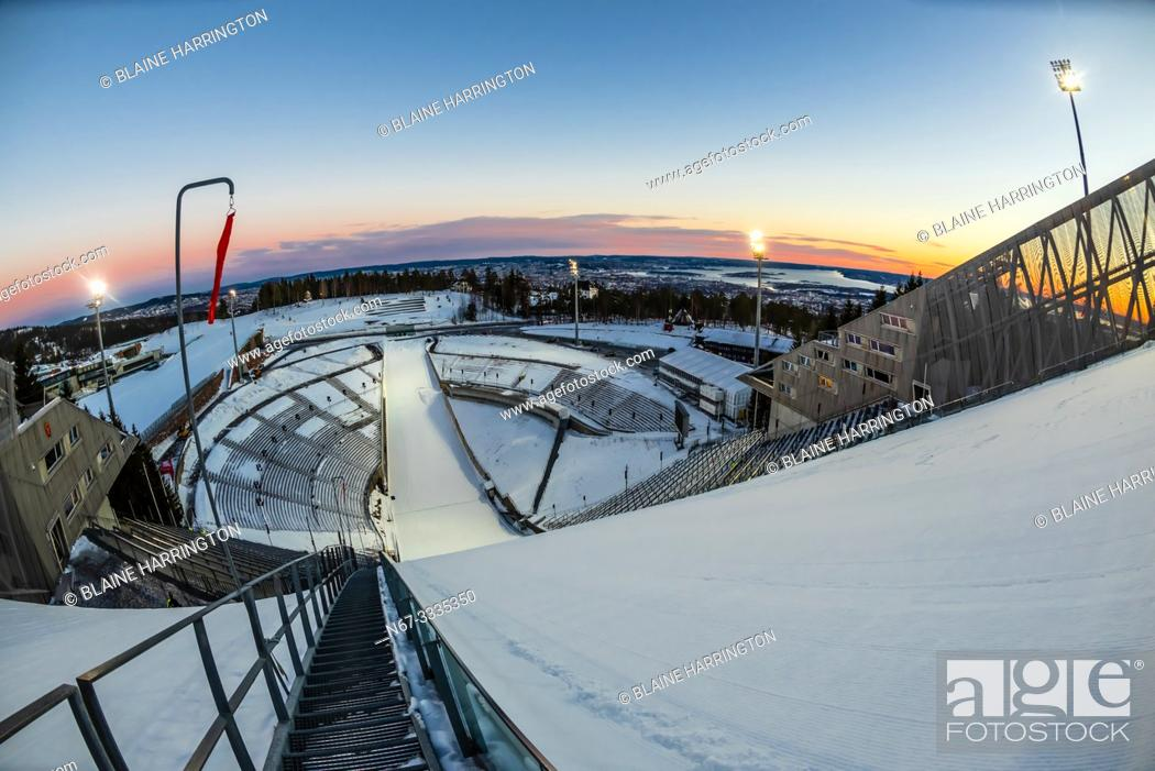 Photo de stock: The world famous Holmenkollen ski jump, Oslo, Norway (aka Holmenkollbakken. ) It has been a site for ski jumping since 1892.
