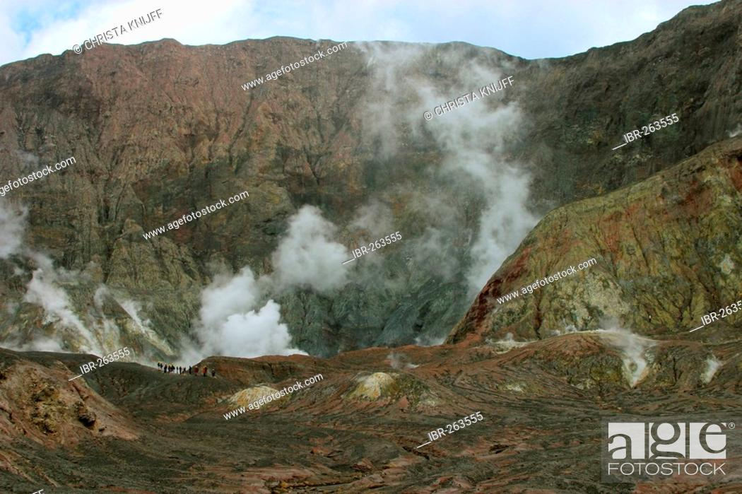 Stock Photo: Crater edge of White Island volcano, North Island, New Zealand.