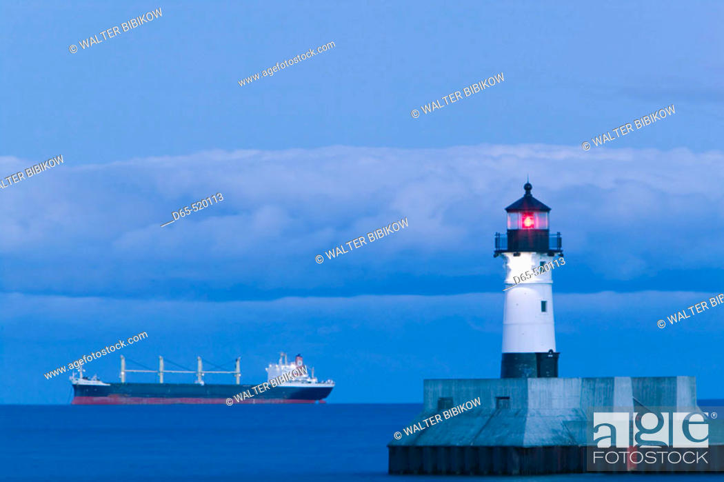 Stock Photo: Duluth Harbor. Shipping Channel Lighhouse. Evening. Duluth. Minnesota. USA.