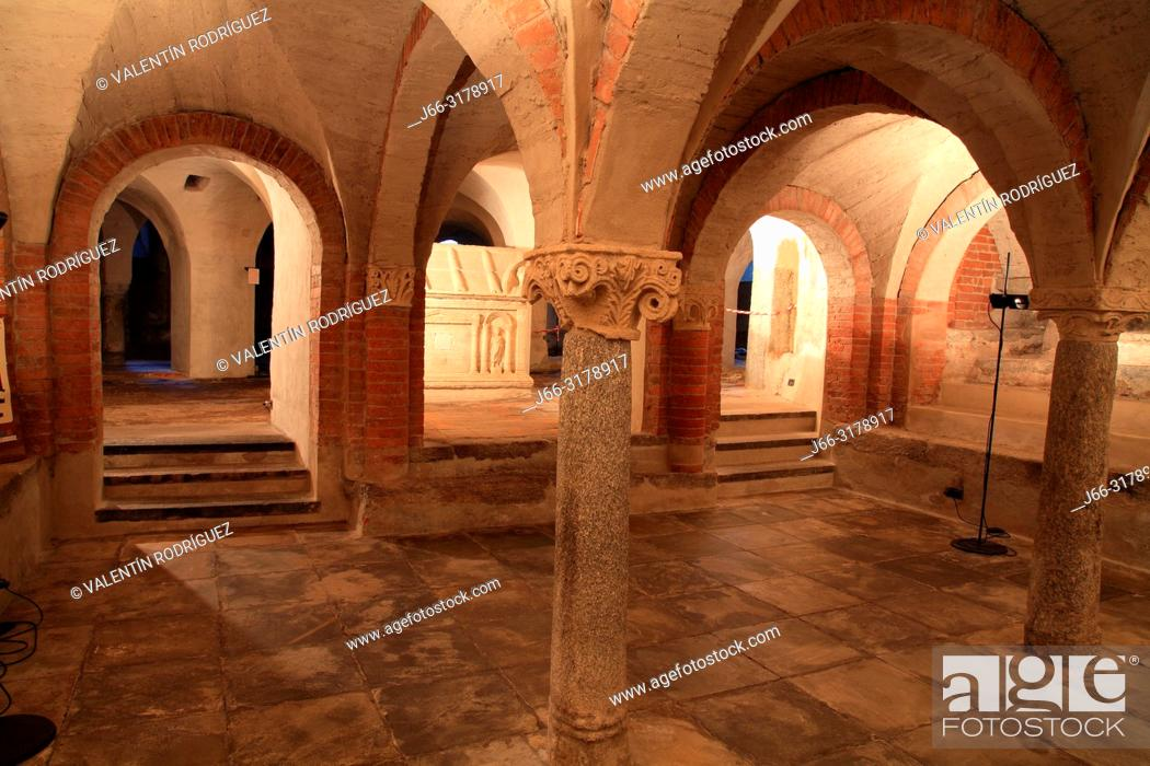 Imagen: Crypt of the cathedral of Santa María Assunta. Ivrea. Italy.