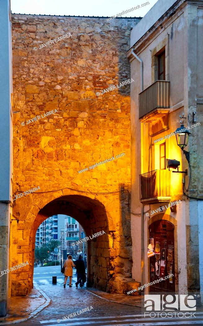 Imagen: Plaça del Pallol, Interior of the walled city, Tarragona City, Catalonia, Spain, Europe.