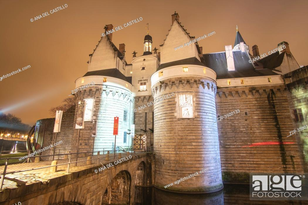 Stock Photo: Nantes France: Castle of the Dukes of Brittany by night.