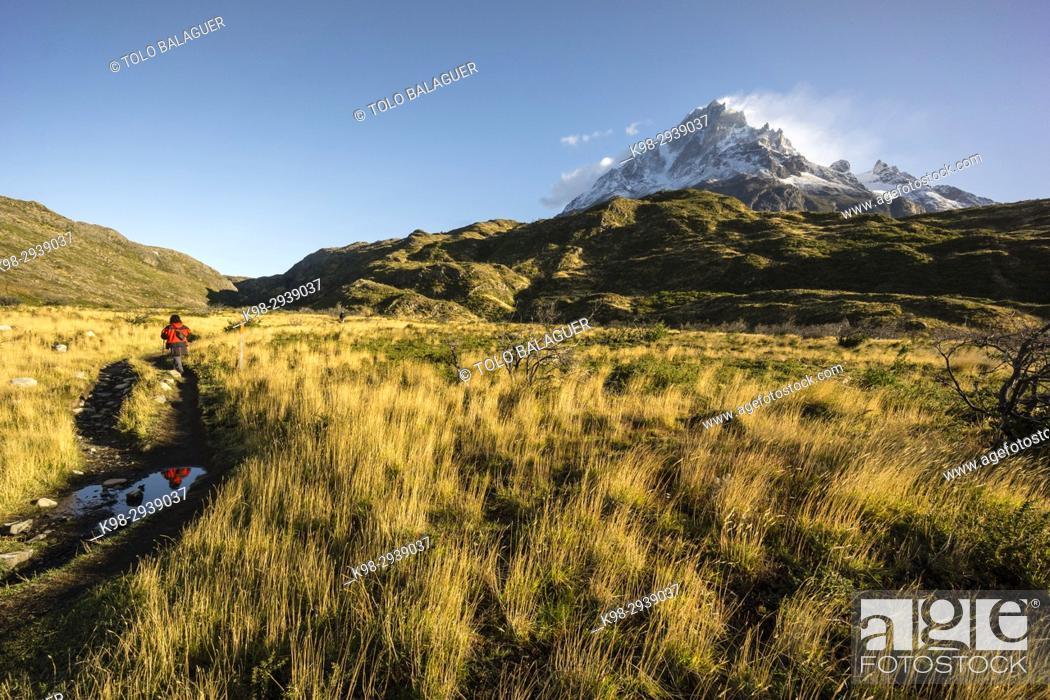 Stock Photo: cerro Paine Grande, 3050 metros, trekking W, Parque nacional Torres del Paine, Sistema Nacional de Áreas Silvestres Protegidas del Estado de Chile.