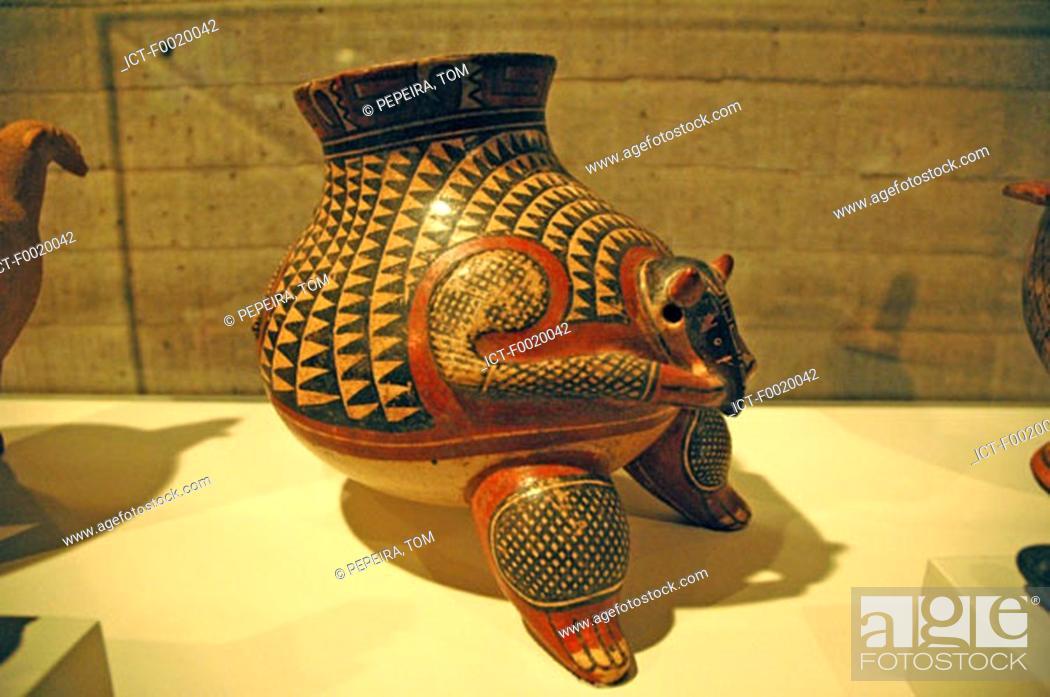 Stock Photo: Costa Rica, San JosÚ, National Museum, Indian piece of pottery.