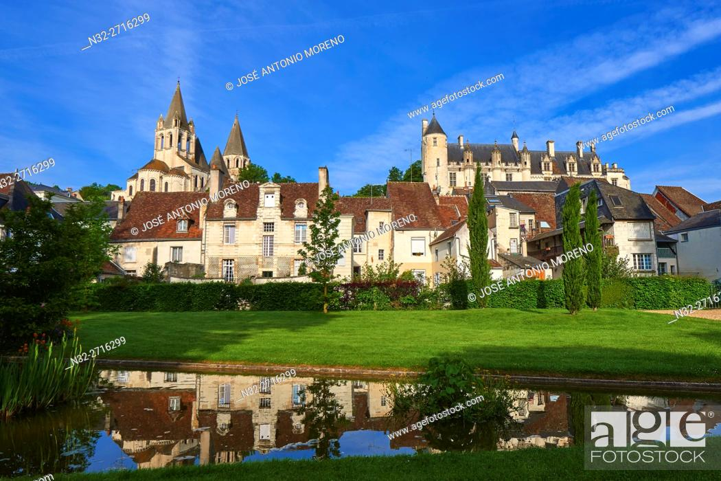Stock Photo: Loches, Saint Ours Church, Castle, Logis Royal Castle, Chateau de Loches, Indre-et-Loire, Touraine, Pays de la Loire, Loire Valley, UNESCO World Heritage Site.