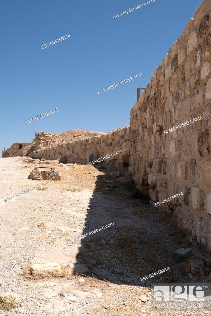 Imagen: medieval crusaders castle, Al Karak, Jordan, Middle East.