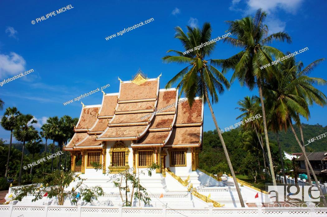 Stock Photo: Laos, Province of Luang Prabang, city of Luang Prabang, World heritage of UNESCO since 1995, Royal Palace National Museum, Wat Ho Pha Bang, golden temple.