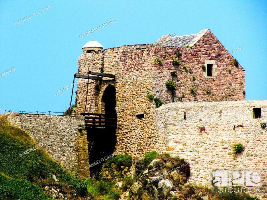 Stock Photo: Fort la Latte, Brittany, Côtes-d'Armor, Cape Frehel, Plevenon, French Brittany, France. .