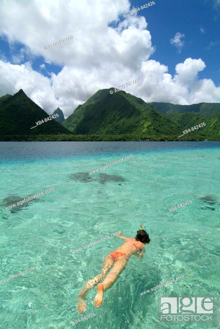 Stock Photo: Tahiti Iti ('small Tahiti' separated by a short isthmus from Tahiti Nui or 'big Tahiti') South coast, Tahiti island, Polynesia.
