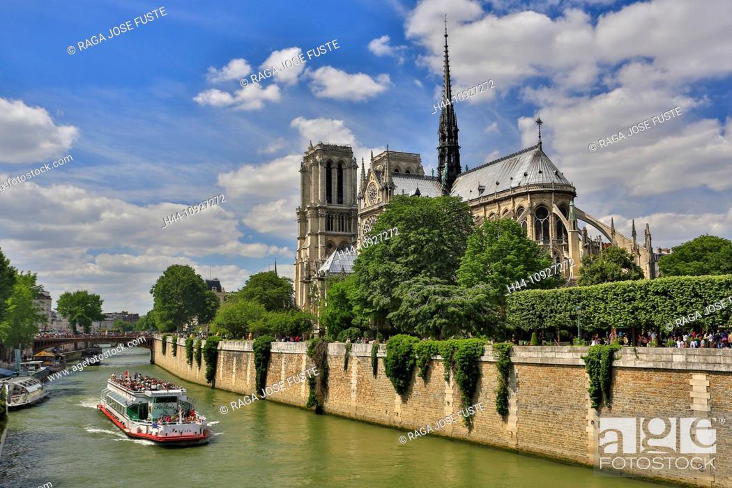 Stock Photo: France, Europe, travel, Paris, City, Notre Dame, architecture, cathedral, catholic, gothic, history, boat, skyline, tourism, Unesco, religion.