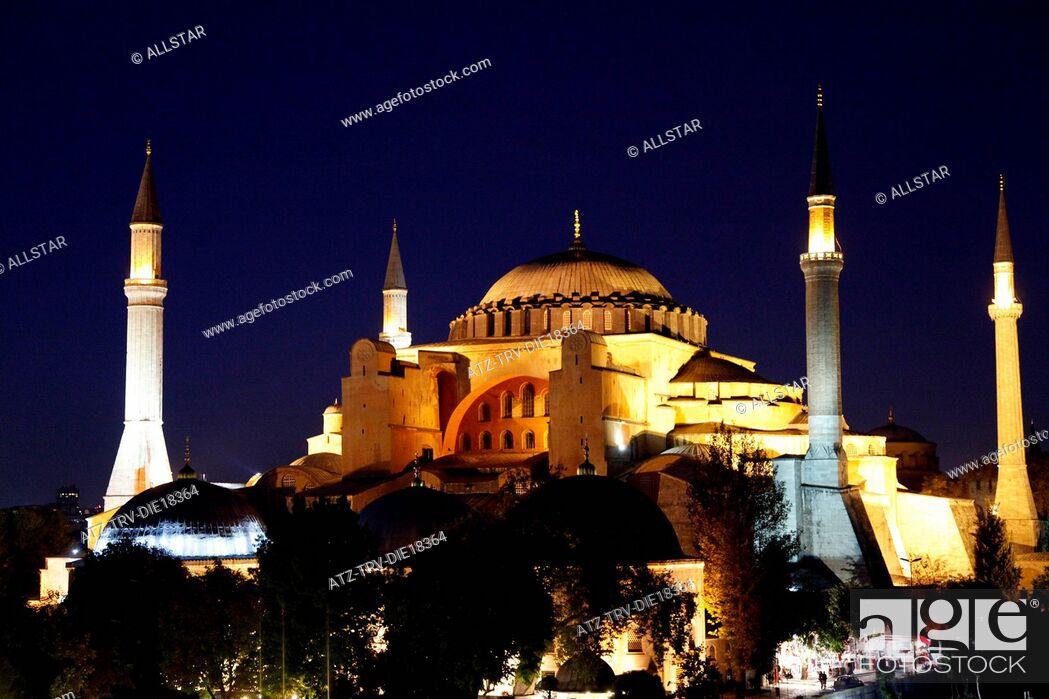 Stock Photo: HAGHIA SOPHIA MOSQUE, AYA SOFYA; SULTANAHMET, ISTANBUL, TURKEY; 03/10/2011.