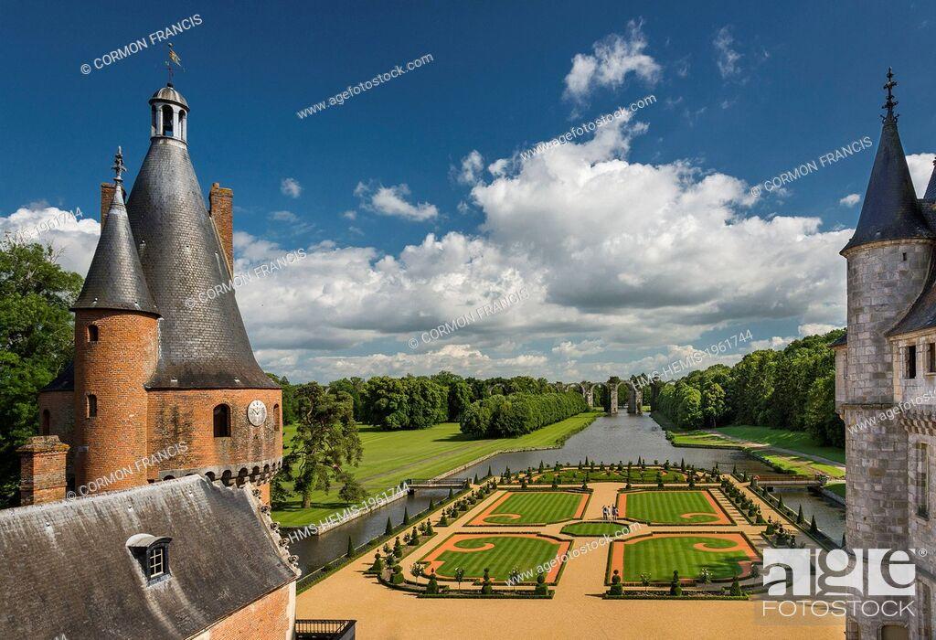 Imagen: France, Eure et Loir, Maintenon, Chateau de Maintenon, New French garden, commissioned by the Eure et Loir General Council and directed by Patrick Pottier.