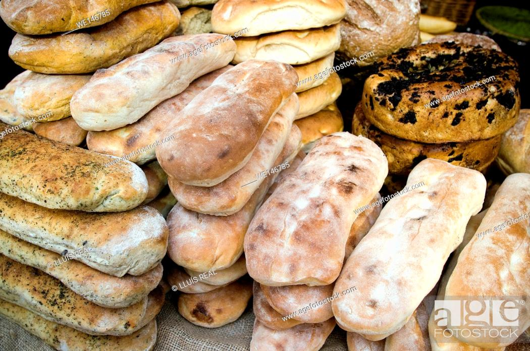 Stock Photo: different types of bread in a bakery. Chapatas, Wholemeal bread, Organic, Seeded, Granary bread, Brioche.