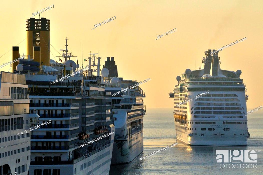 Stock Photo: Cruise ships in harbour, Civitavecchia, Lazio, Italy.