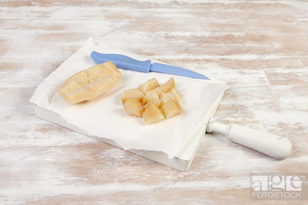Imagen: como preparar membrillo. parte de una serie: 2/5.