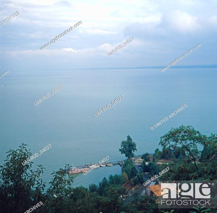 Stock Photo: Aussicht auf den Balaton, Ungarn 1984. View on Lake Balaton, Hungary 1984.