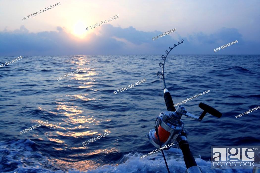 Photo de stock: Angler boat big game fishing in saltwater ocean.