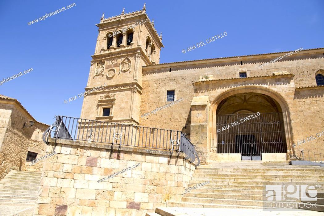 Imagen: Village of Moron de Almazan, Soria provincia, Castilla y Leon, Spain Asuncion church.