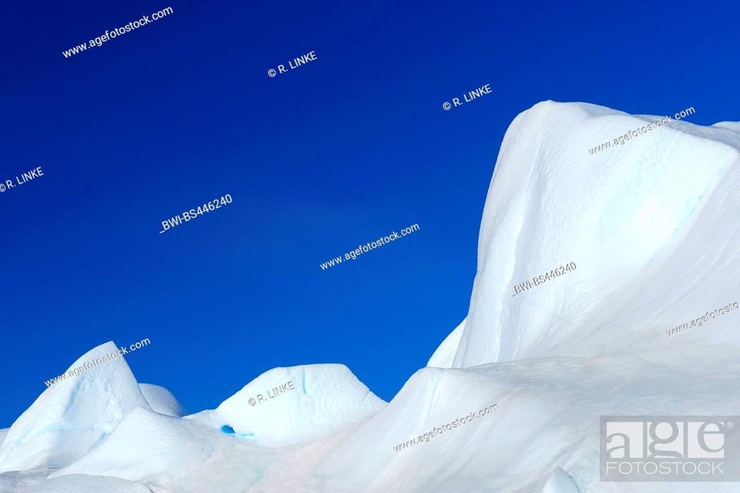 Imagen: Iceberg on Snow hill island, Antarctica, Antarctic Peninsula, Weddell See, Snow Hill island.