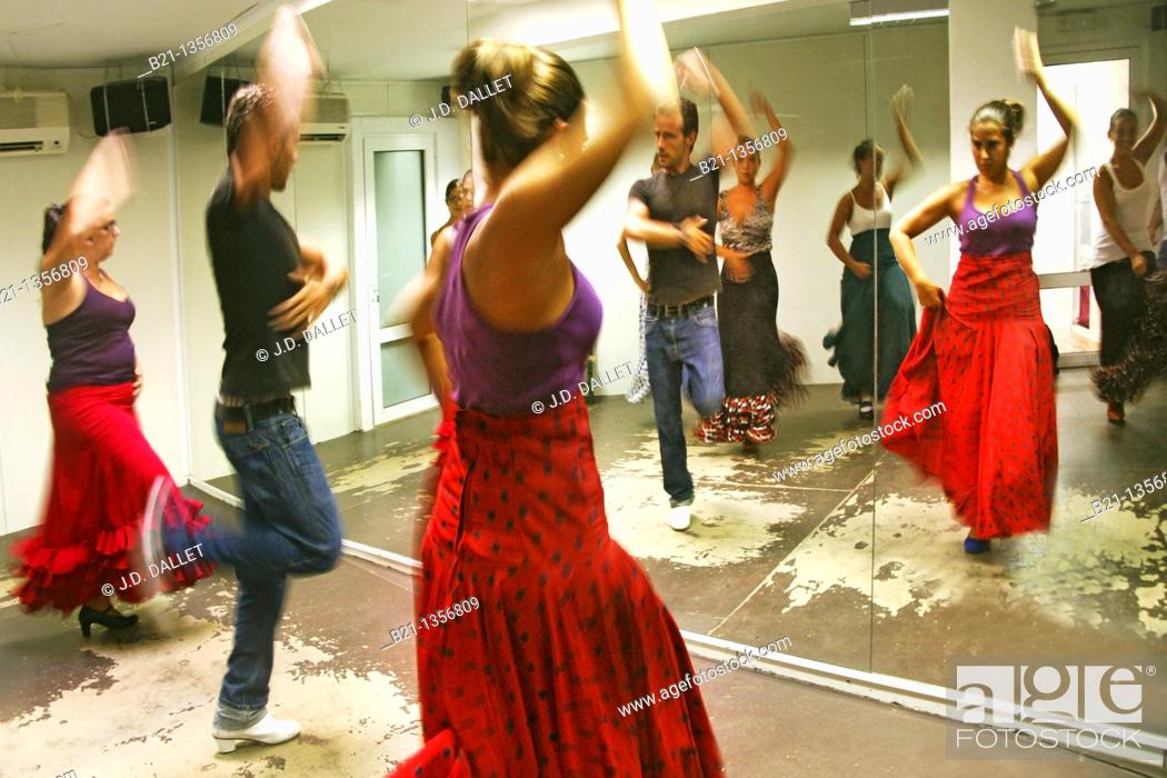 Stock Photo: Class of 'flamenco' dance at Nerja, Malaga province, Andalusia, Spain.