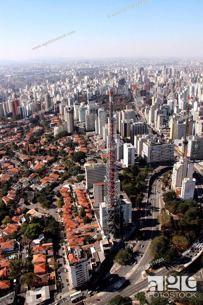 Stock Photo: Rebouças Avenue, Consolação Avenue, São Paulo, Brazil.