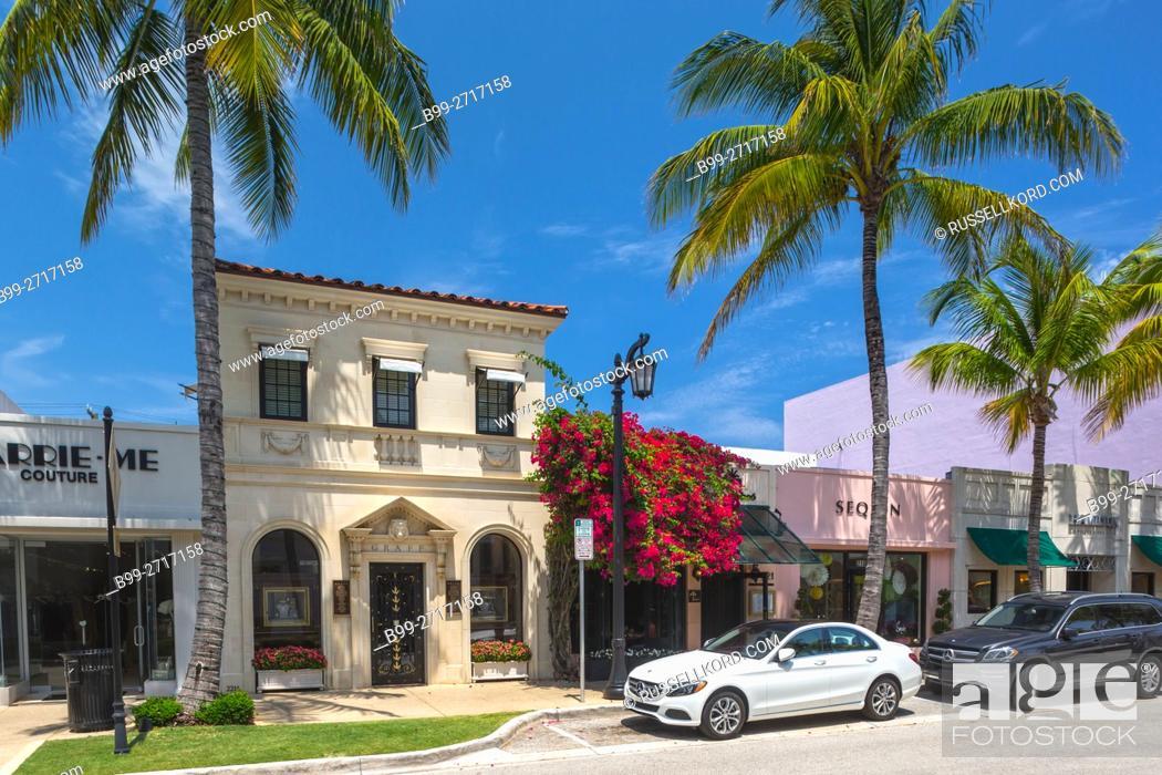 Stock Photo: LUXURY BOUTIQUES WORTH AVENUE PALM BEACH FLORIDA USA.