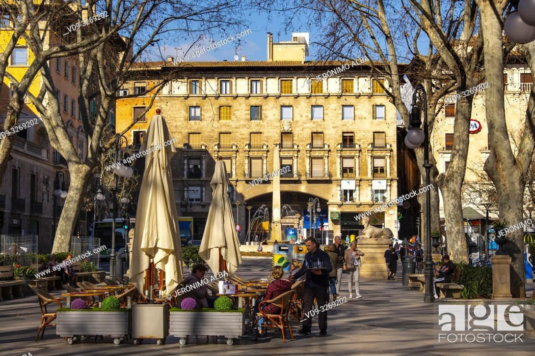 Bar Terraza En El Centro Histórico Palma De Mallorca