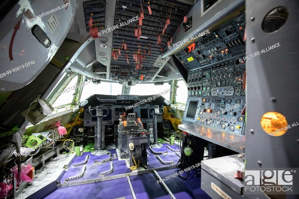 Stock Photo: 26 October 2020, Hamburg: View into the cockpit of a converted Boeing 747 with the Stratospheric Observatory for Infrared Astronomy (Sofia).