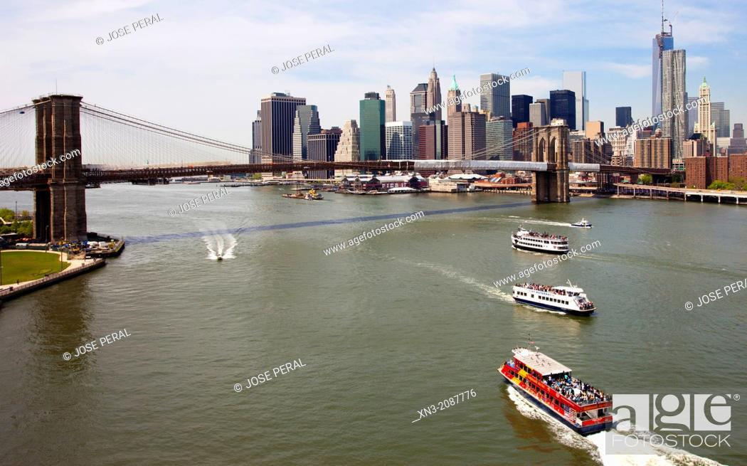 Stock Photo: East River, Brooklyn Bridge, Manhattan skyline, from Manhattan Bridge, Manhattan, New York City, New York, USA.