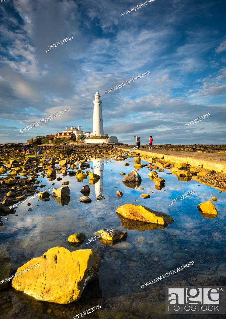 Stock Photo: St. Marys lighthouse at Whitley Bay.