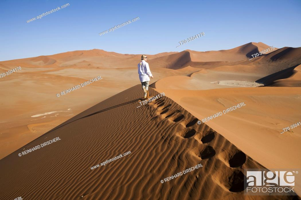 Stock Photo: Dunes in Sossusvlei Area, Namib Naukluft Park, Namibia.
