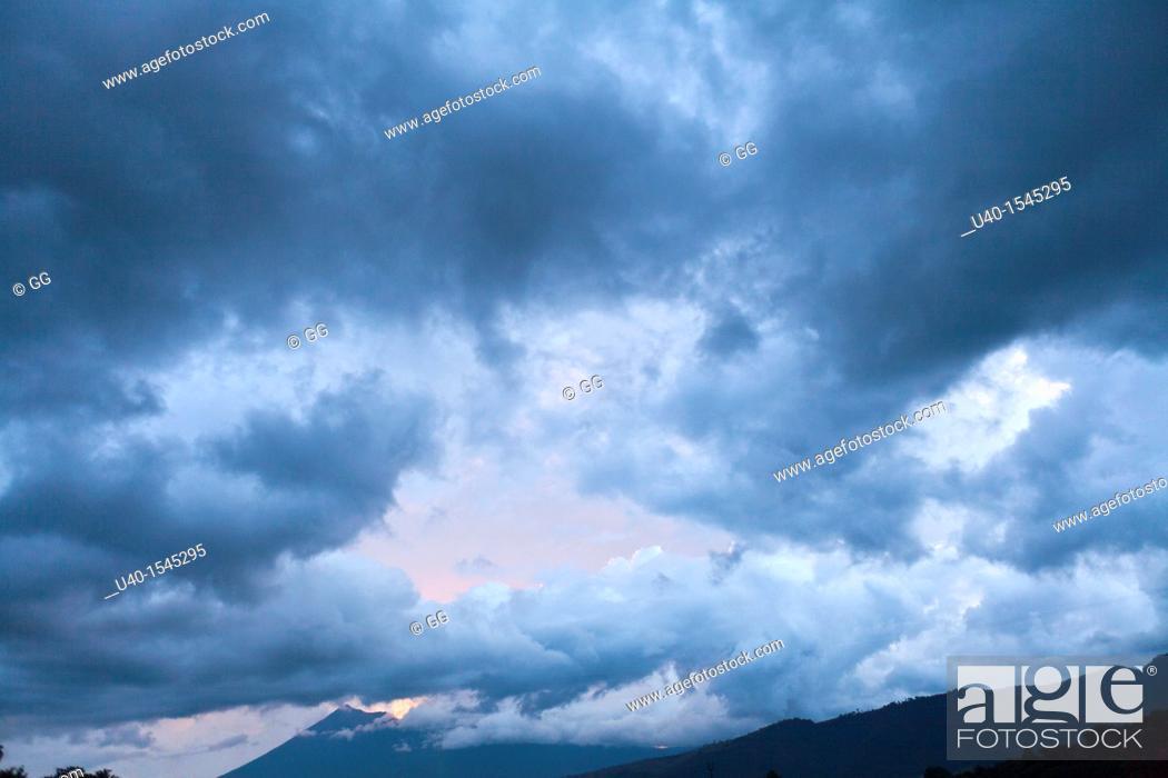 Stock Photo: Dramatic sky, rain clouds.