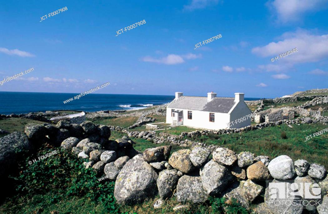 Stock Photo: Ireland, Connemara, house.
