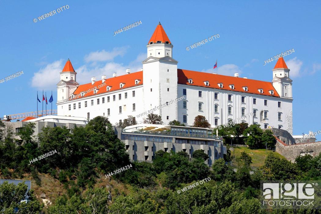 Stock Photo: Slowakische Republik, Slowakei, Westslowakei, Bratislava, Pressburg, Hauptstadt, Donau, Kleine Karpaten, Burg Bratislava auf dem Burgberg, Barock.