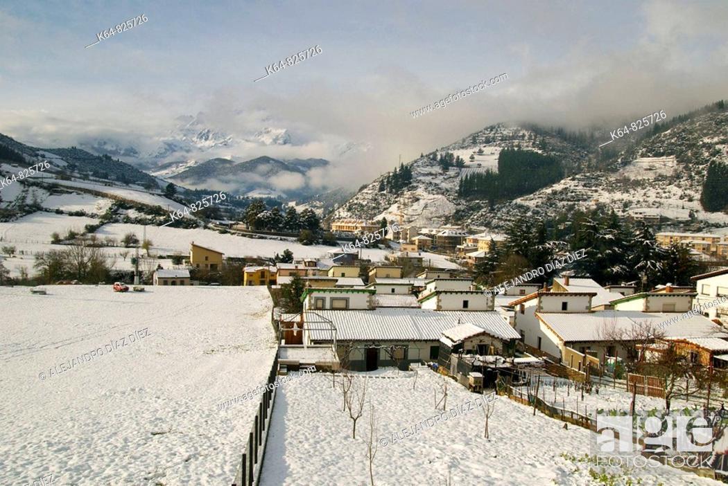 Stock Photo: Potes, Picos de Europa, Cantabria, Spain.