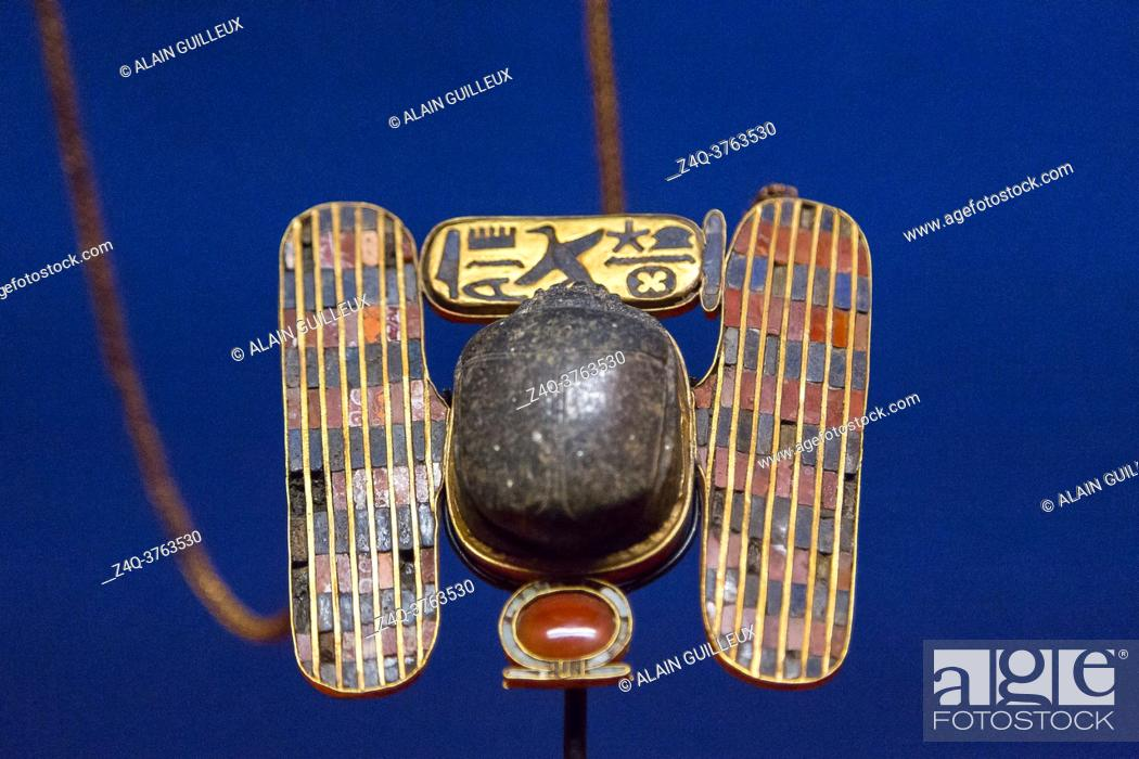 Imagen: Egypt, Cairo, Egyptian Museum, jewellery found in the royal necropolis of Tanis, burial of Psusennes : Pectoral in the shape of a winged scarab.