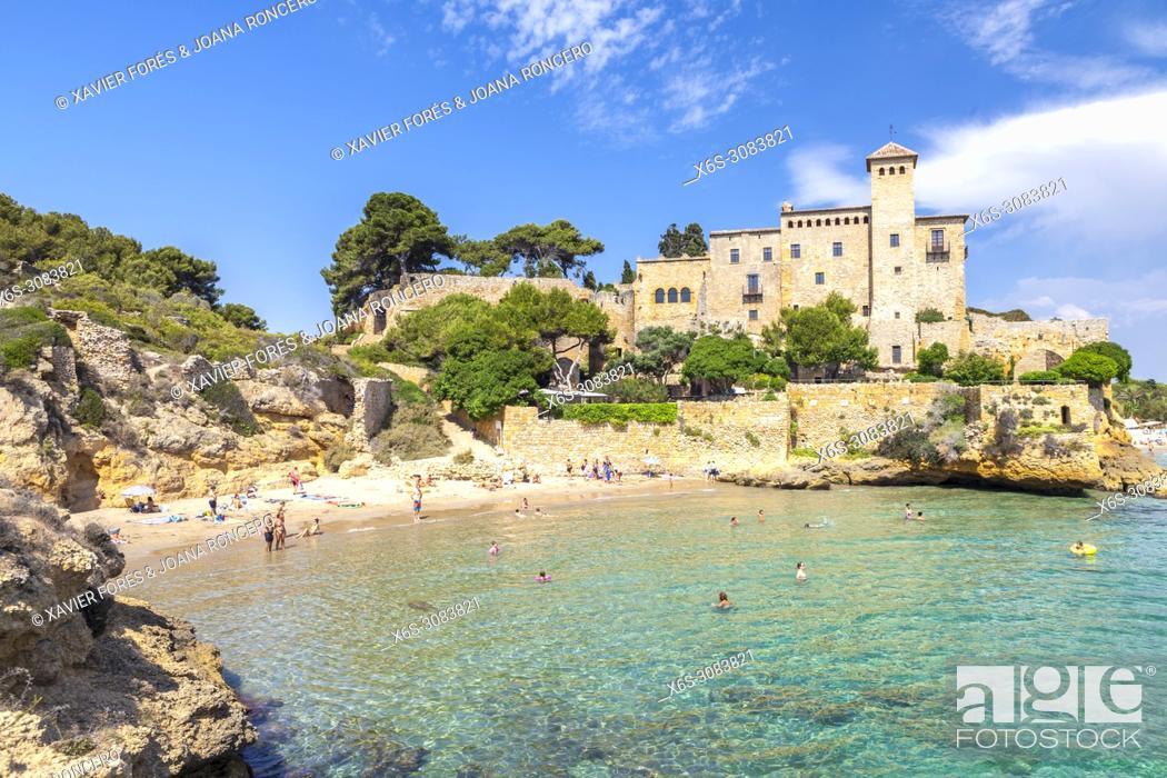 Stock Photo: Beach and Castle of Tamarit, Altafulla, Tarragones, Tarragona, Spain.