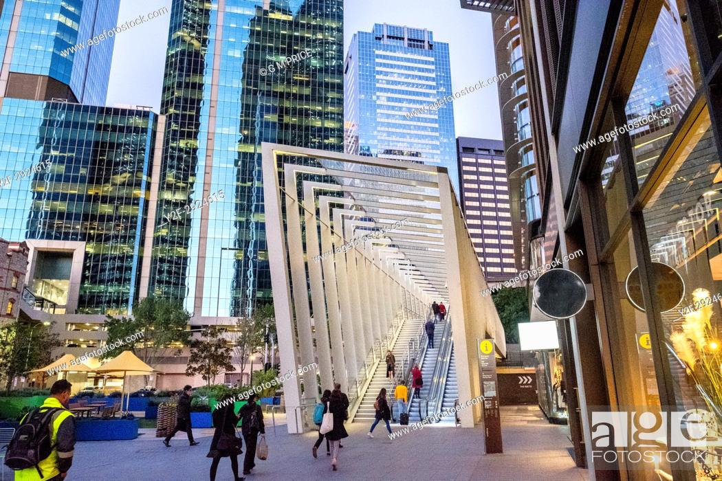 Imagen: modern architecture at Barangaroo, Sydney.