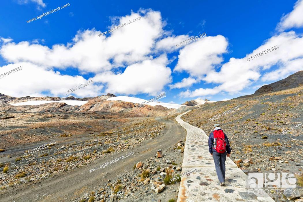 Stock Photo: Peru, Andes, Cordillera Blanca, Huascaran National Park, tourist hiking towards Pastoruri glacier.